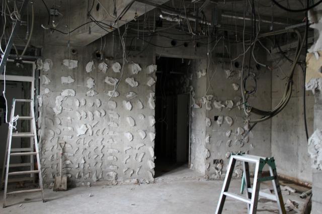 120721 事務所・機械室壁剥離後 (11)